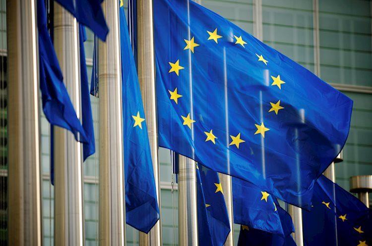Weak European macro to keep PLN on weak side for now