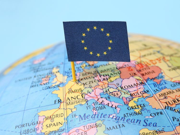 European Commission approves second contract with Moderna for 300 million doses of vaccine