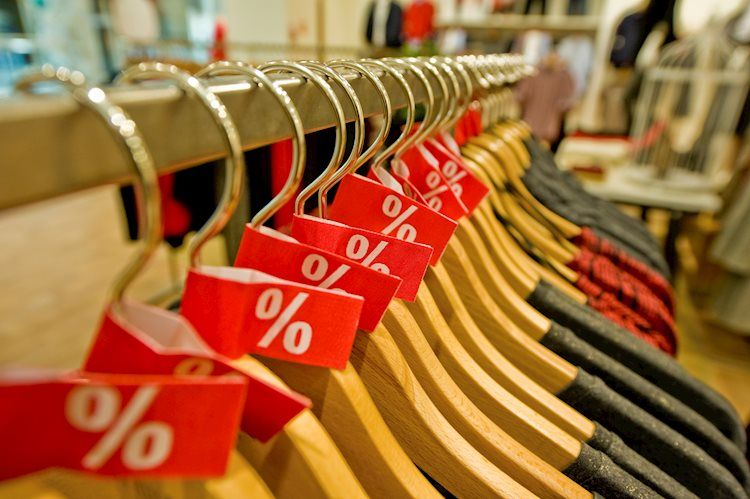 Annual Core CPI edges lower to 1.4% in January vs. 1.5% expected