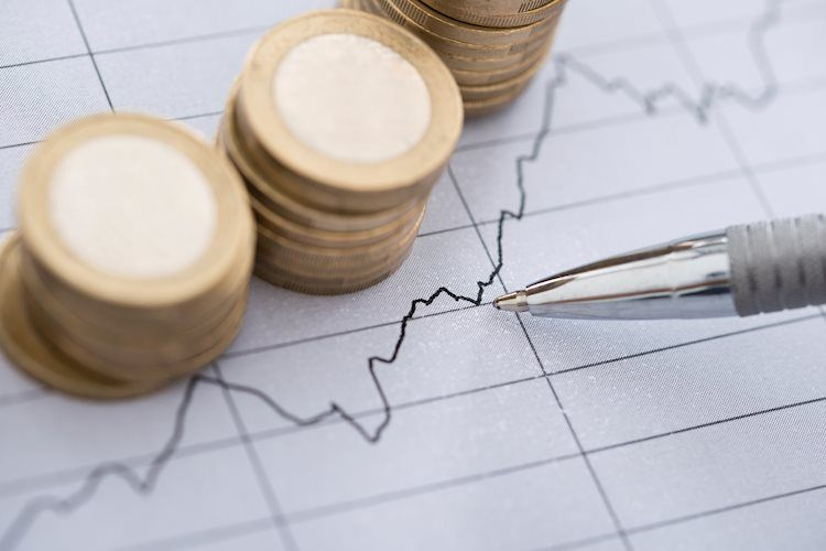 Inflation fears weigh