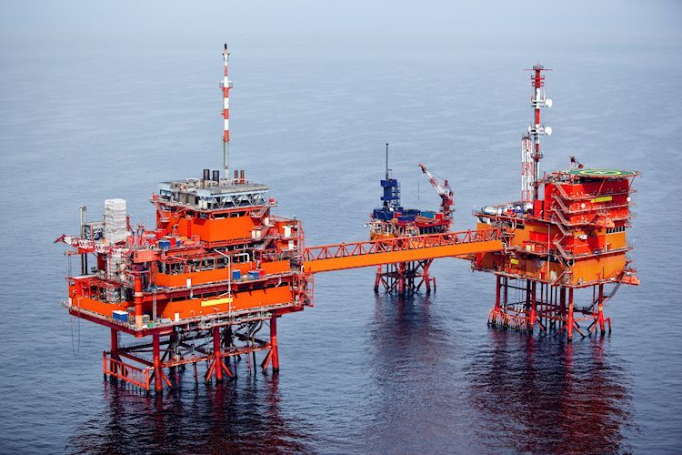 offshore drilling for oil 13084709 Large