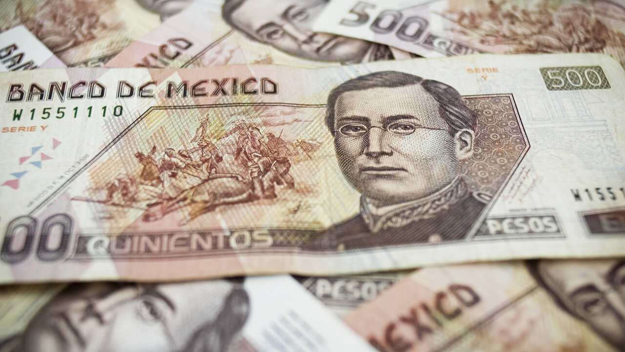 Usd Mxn Reverses And Drops To The 24 00