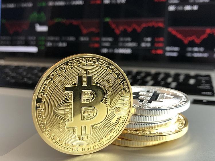 BTC prepares for a 30% jump inside bullish chart pattern