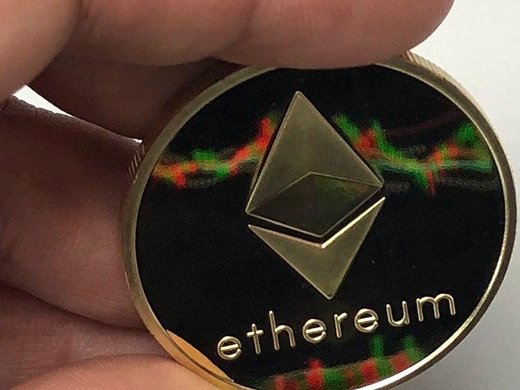 ETH regains focus to $2,000