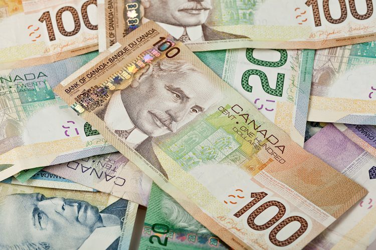 USD/CAD sellers eye 1.2700 amid US dollar weakness, WTI strength