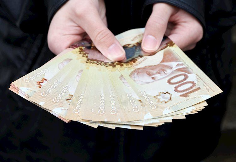 usd-cad-soars-and-climbs-above-1-2150-for-the-first-time-since-mid-may